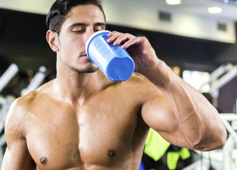 Post-workout shake rich in protein and bcaa's
