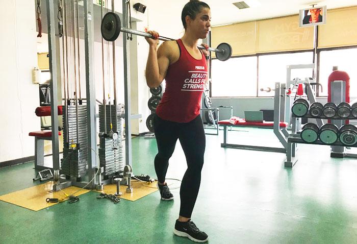 Exercícios para glúteos: Lunges Invertido