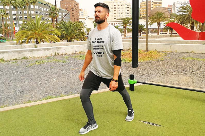 Dynamic stretching exercises to avoid injury - Yerai Alonso