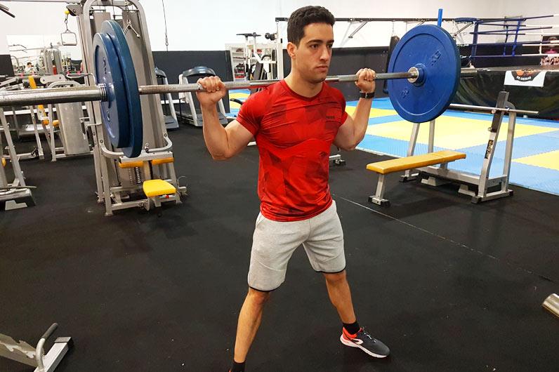 Exercícios para pernas: agachamento com barra - Nuno Feliciano