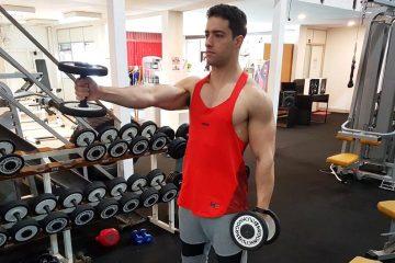 Exercícios ombros: Levantamento frontal com halteres