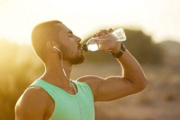 Cómo las bebidas isotónicas ayudan a aumentar la resistencia